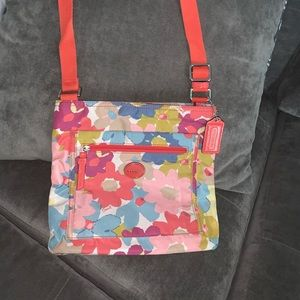 Coach Floral Print File Bag (Coach F30021)